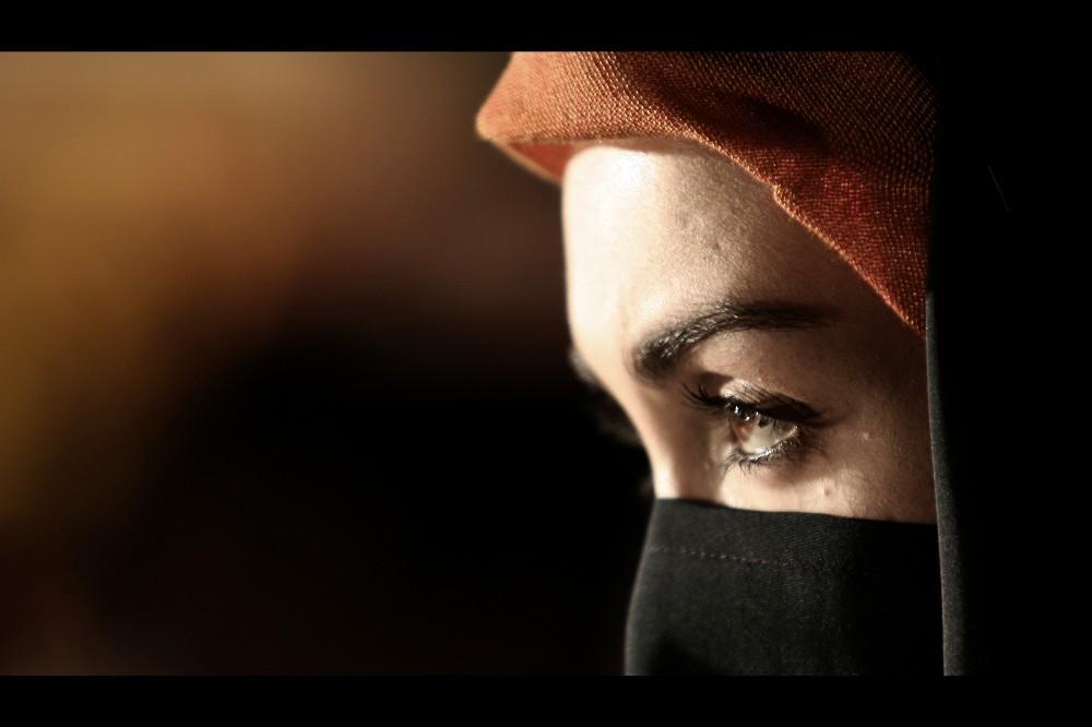 Hukum Cadar: Dalil-Dalil Ulama yang Tidak Mewajibkan