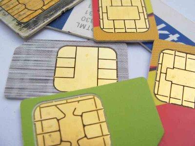 http://hasanjunaidi.files.wordpress.com/2008/12/simcards1.jpg