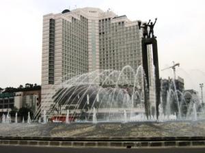 Patung Selamat Datang (primaironline.com)